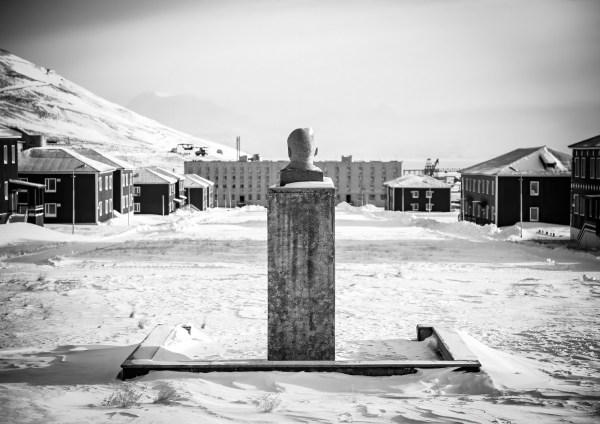 Longyearbyen Pyramiden Lenin Artic