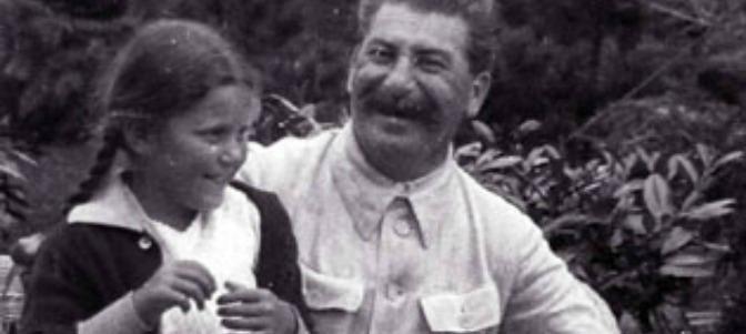 La hija de Stalin se convirtió al catolicismo tras visitar Fátima –