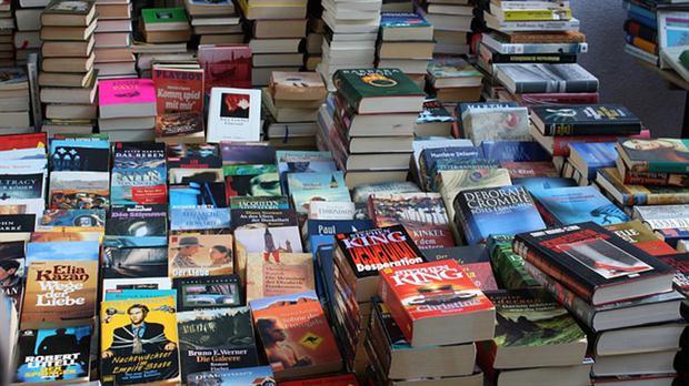 El mercado del libro usado baila al compás de la crisis –