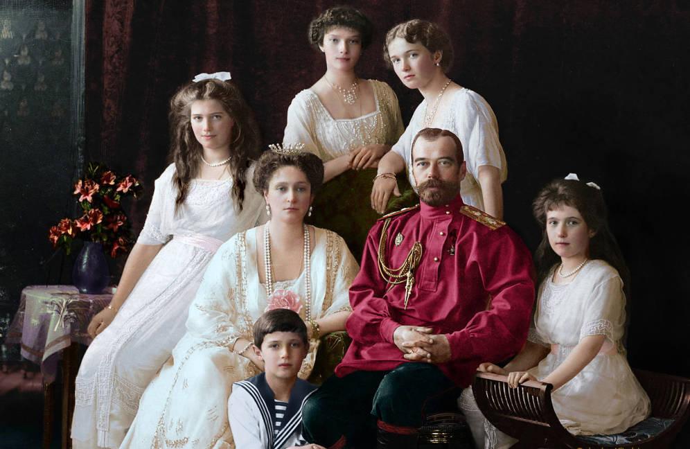 Historia: Asesinatos, torturas y excesos sexuales ¿Juego de tronos? No, los Románov.