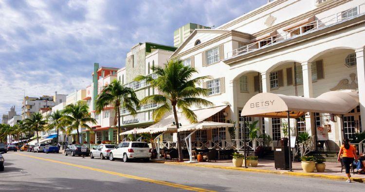 Restringen la venta de alcohol en Miami Beach para disminuir la delincuencia