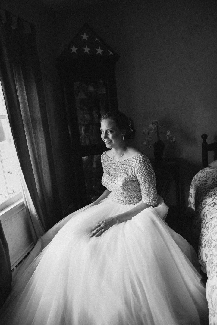 GORGEOUS BRIDE IN HER CHILDHOOD HOME