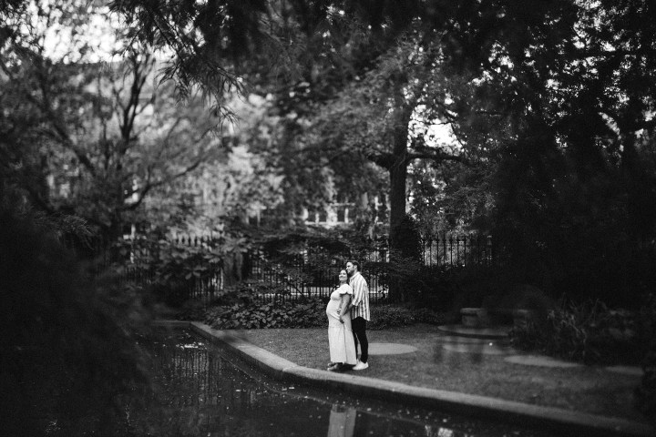maternity images at garden
