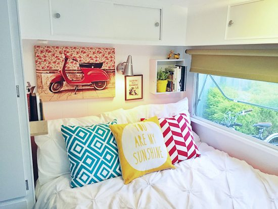 Living Small to Live Big—Tiny house life bedroom