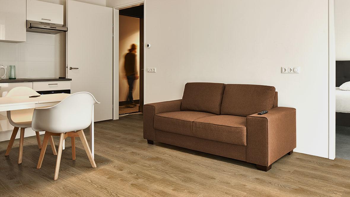 1180x664 Allura S11 Roomshot 69101 69203 couch Adrijus