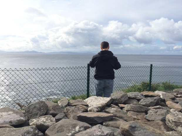 Facing the ocean at Dunbeg Fort (Fort directly behind)