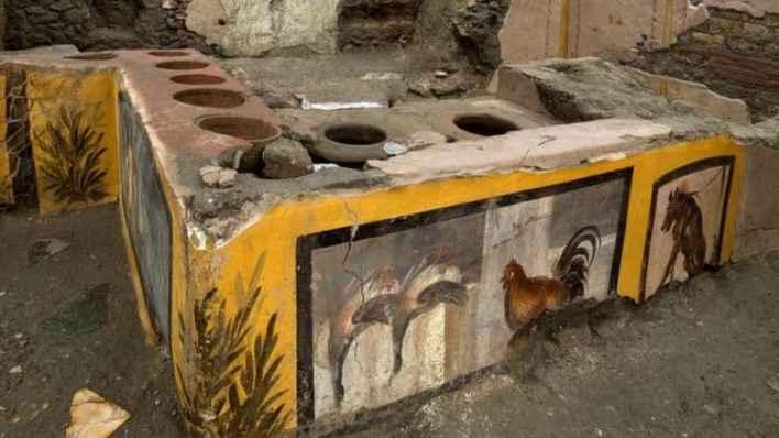 2,000 ஆண்டுகளுக்கு முந்தைய  'ஃபாஸ்ட் ஃபுட்' கடை கண்டுபிடிப்பு 1
