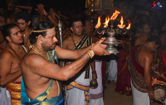 நல்லூர் கந்தசுவாமி ஆலய 11 ம் நாள் உற்சவம் 2