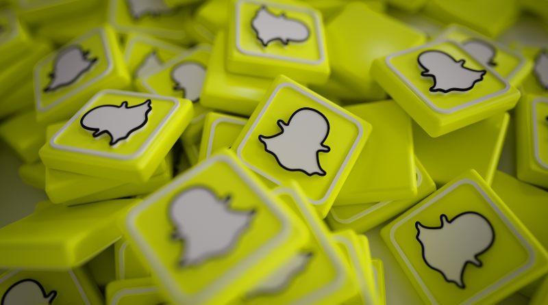 Snapchat prueba una navegación vertical como la de TikTok