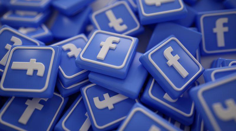 Facebook crea un chatbot para que los empleados respondan a las críticas