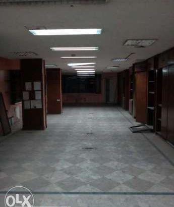 شقة٣٠٠م بطلعت حرب للايجار تصلح جميع الاغراض