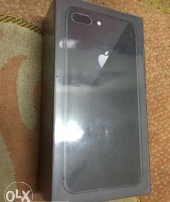 I phone 8 plus 64 Gega للبيع