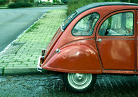 red-old-citroen-1573942
