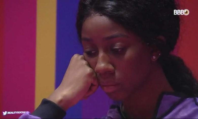 camilla apreensiva enquanto aguarda o resultado da prova (foto: reprodução/tvglobo/globoplay)