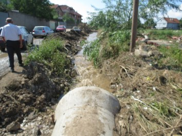 Garbage_in_Flooded_Area_Water_Channels6006