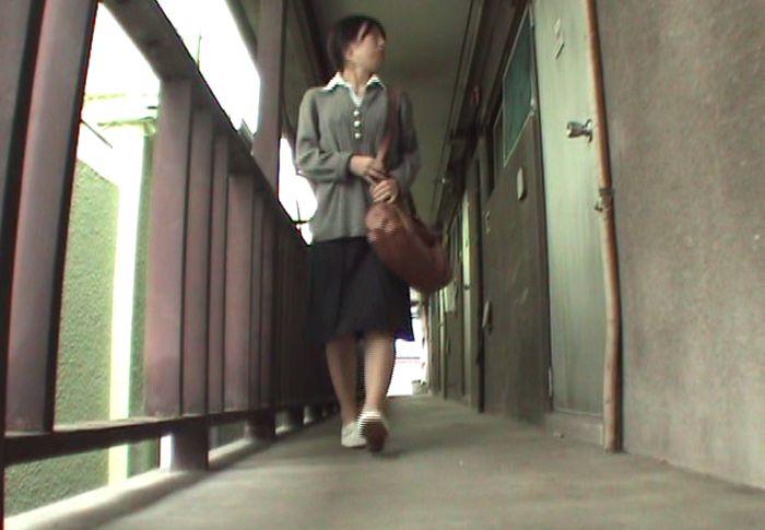 人妻の麻衣(27歳)が登場するシーン