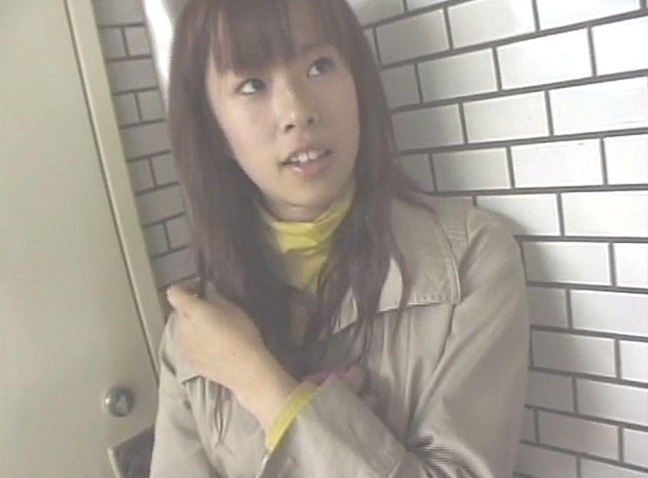 萌え萌えアニメ声な19歳の専門学生の彼女は友人との待ち合わせ中に口説かれる