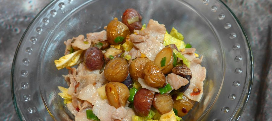 Stir-fried Potatoes with pork and cabbage