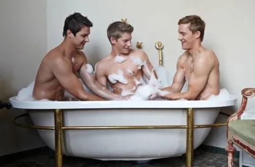 three gays in bathrub