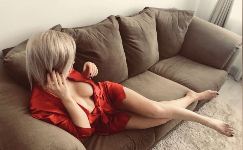 Blonde Livejasmin Cam Girl LoraHenderson