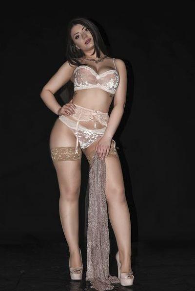 Gorgeous Cam Model SarahFiery