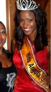 Leila Lopes from Angola is crowned Miss Universe!