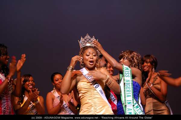 Miss Oyo wins the 2009 MNIA Beauty Pageant.