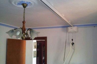 «Grúa de techo para transferencias para personas mayores en Alhaurín de la Torre (Málaga)»