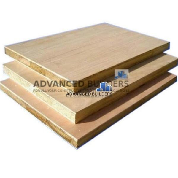 Block-board-veneer-ss-18mm
