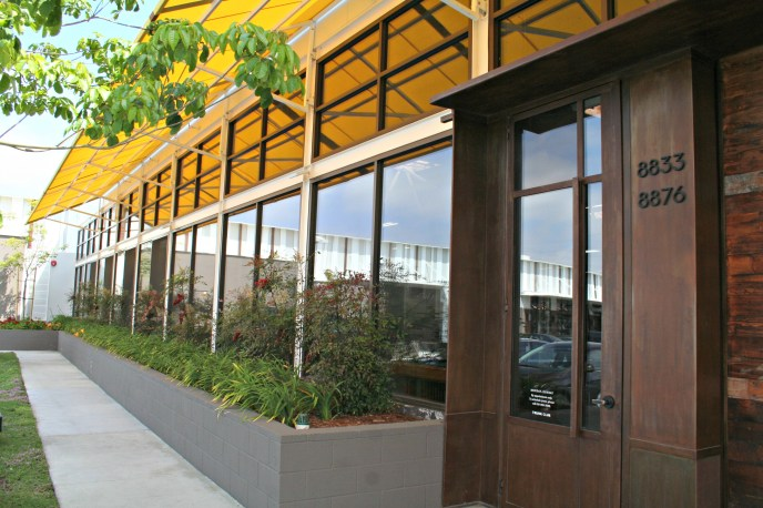 exterior retail store los angeles commercial