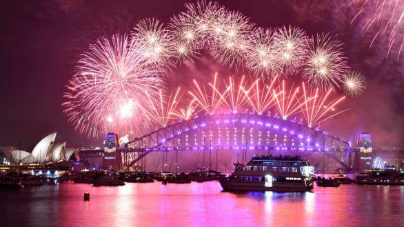 Sydney Harbour Bridge Happy New Year Fireworks