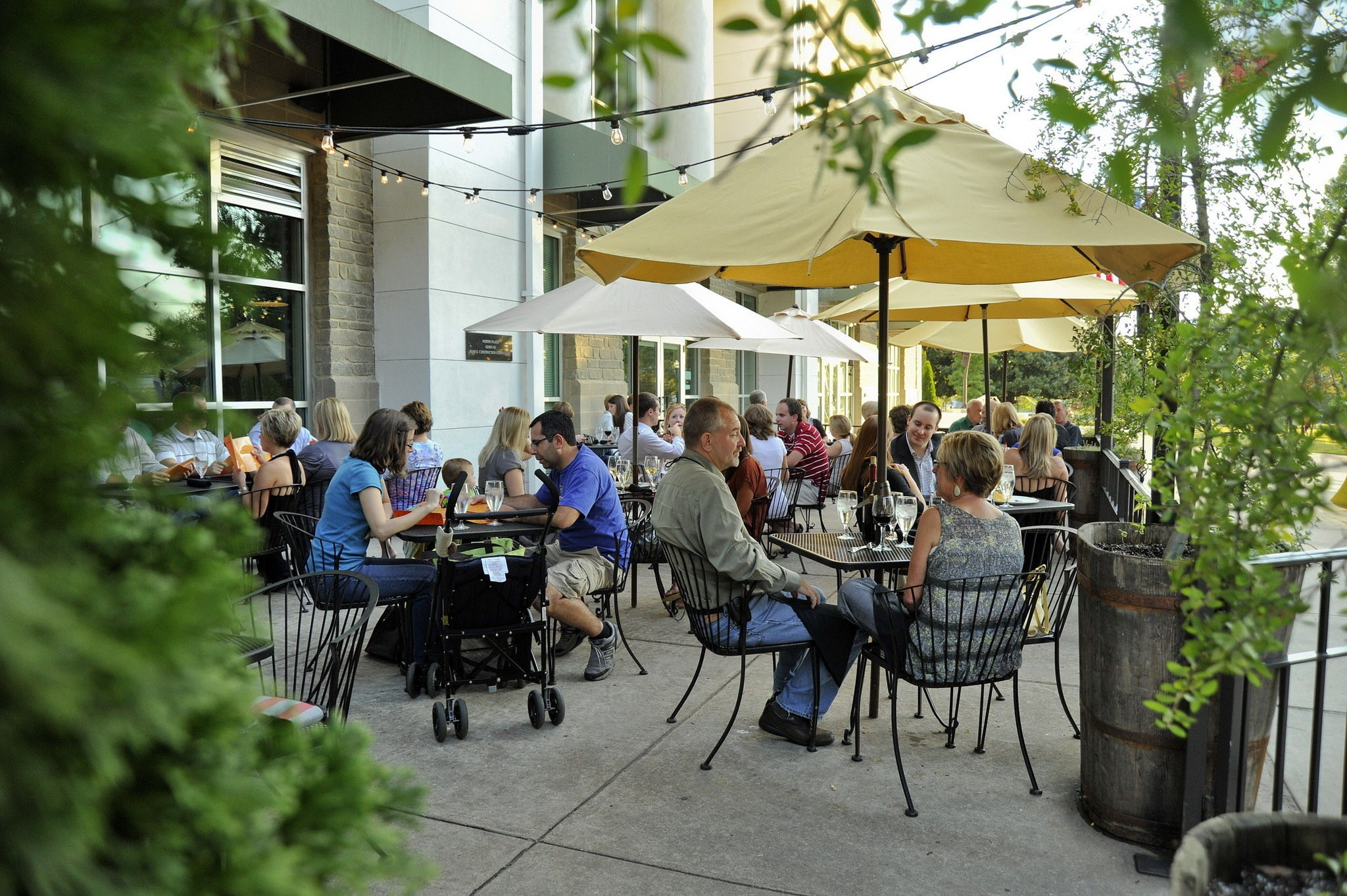 16 great places to eat outside in
