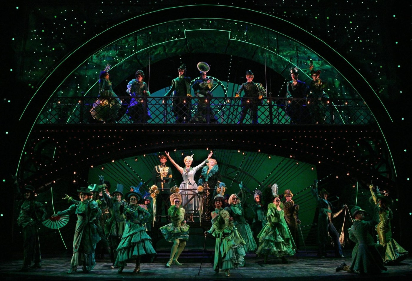 Smash Broadway musical 'Wicked' opens at Playhouse Square next ...