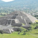 Pyramid_of_the_Moon-Teotihuacan