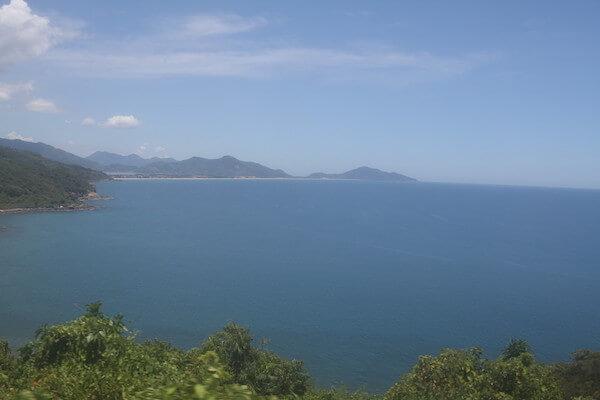 ハイヴァン峠から海を眺める写真