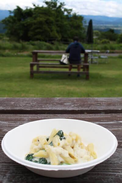 パスタを食べる写真