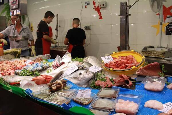 魚のマーケットの写真