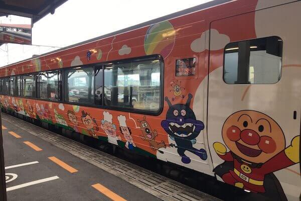 アンマンマン列車の写真