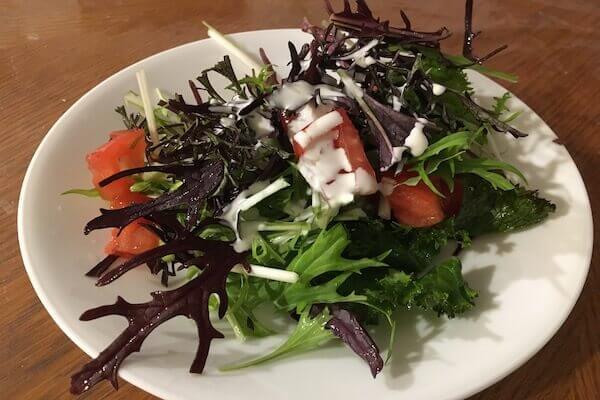 水菜入りのサラダの写真