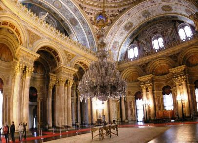 800px-ceremonial_hall_dolmabahce_march_2008_pano4