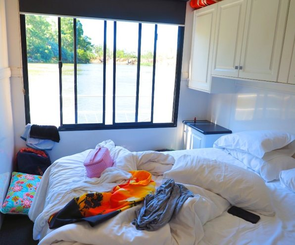 Houseboat_Bedroom_Murray_River