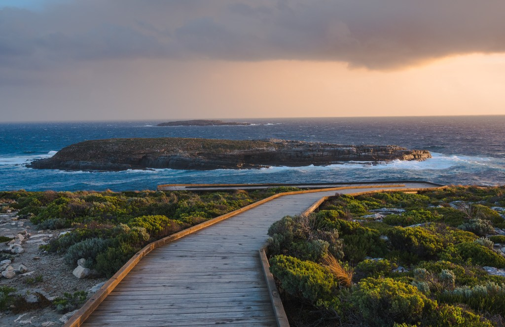 The walk to sea, Kangaroo Island