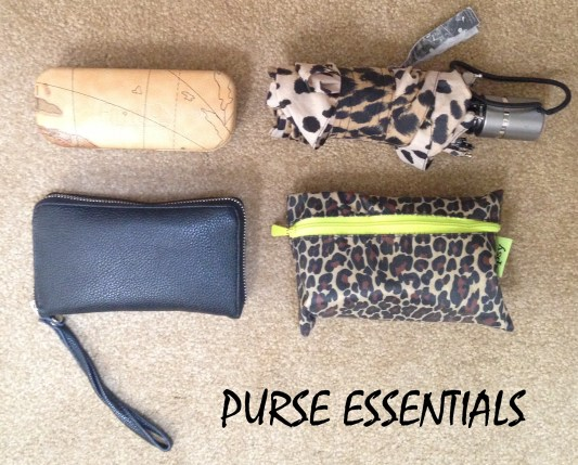 What's in My School Bag? | Purse Essentials