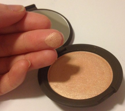 BECCA x Jaclyn Hill Shimmering Skin Perfector Pressed in Champagne Pop