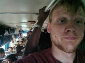 5 uur op een overvolle bus bij 36 graden is aboluut geen pretje