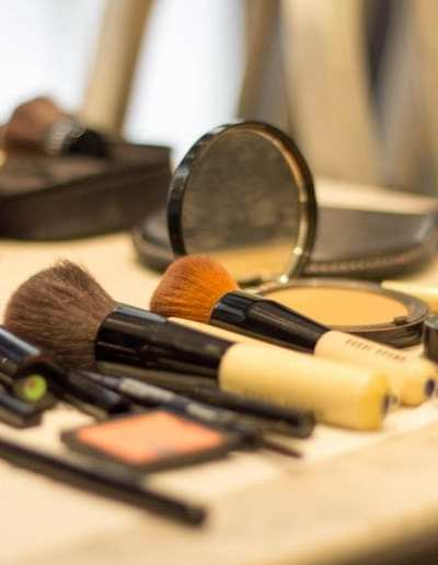 How to Save Money on Important Cosmetics