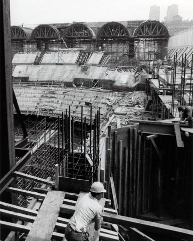 Building the Metropolitan Opera
