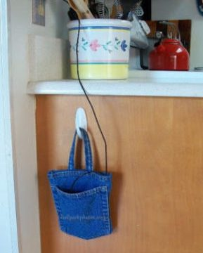 Phone Charger Pouch (from a jeans pocket!)