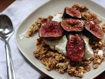 Baked Figs Over Yogurt and Granola