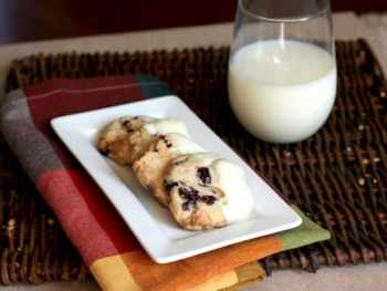 Holiday Baking with Pillsbury® (White Chocolate Cranberry Cookies)